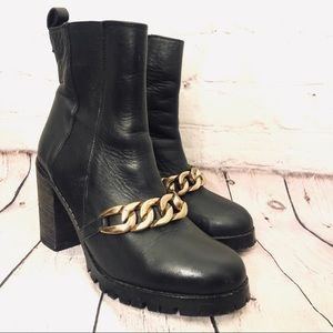 ALDO BLACK LEATHER SLIP ON CHAINED HEELED BOOTIE